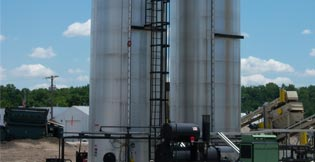 Tarmac Vertical AC Tanks with Level Indicator